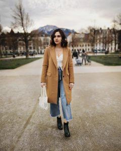 jean flare et blouse lacée